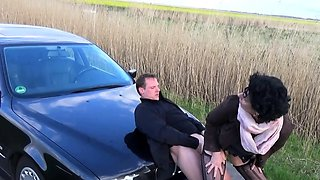 german mature hitchhiker rough outdoor at the car creampie