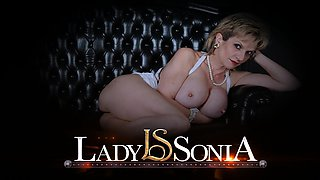 Sexy British mature Lady Sonia plays with her hard nipples