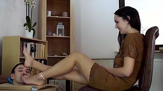 Foot Worship In A Box For Young Beauty
