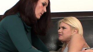 Mature stepmom sixtynining taboo teen lesbian