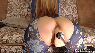 Blonde With Gorgeous Ass Fucks Fuck Machine Doggystyle