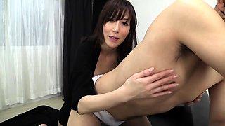Provocative Asian milf puts her handjob skills into action