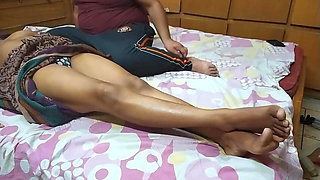 An Indian girl has sex with boyfriend