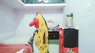 Indian mon sadaf aunty hot dress workout