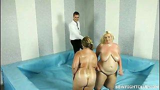 Fat nude women wrestling