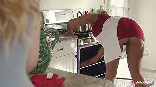 Tired housewife Mercedes Carrera is relaxing with lesbian nextdoor girl