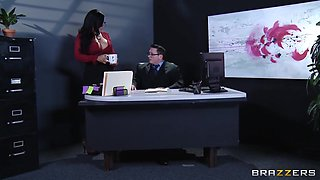 Kiara Mia - My Boss Is A Creep In 4k
