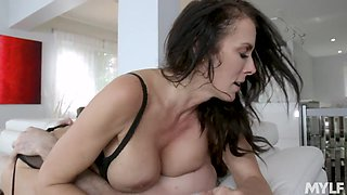 Wild passion between hot cougar Reagan Foxx and her young lover