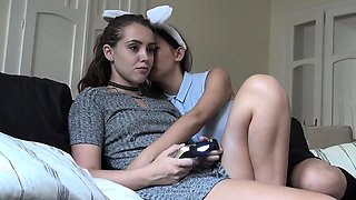 Zoe Doll game distraction (lesbian)