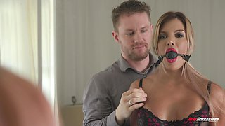 Wild fucking on the bed with Mercedes Carrera in front of her hubby