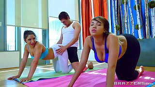 Foursome shagging experience for the yoga-loving senoritas