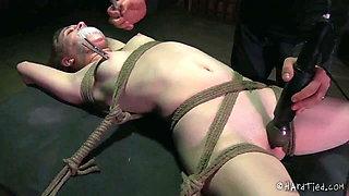 Orgasm play with Mattie Borders