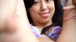 Cameltoe Japanese - teen bikini listrado 01