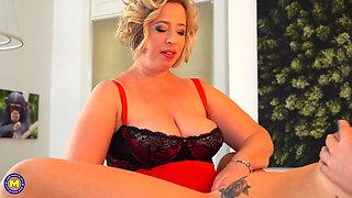 Chubby mature mom seduce cute daughter