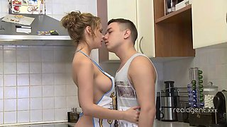 HOT HIGH HEEL KITCHEN FUCK