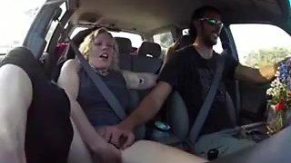Blonde gets fingered untill cum in the car