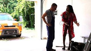 Dane Jones Gardener's big dick satisfies horny ebony MILF