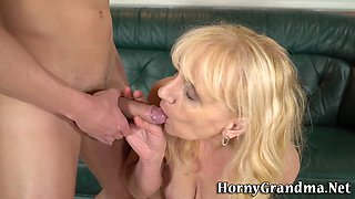 Granny whore eaten out