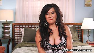 Surprise Victoria is fucking for all the world to see - Victoria Versaci and Tarzan - 50PlusMILFs