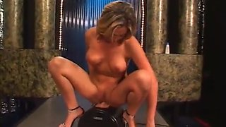 Hot blonde fuckign sex machine & masturbating with dildo