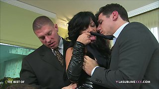 Kinky wife Priscilla Salerno enjoys getting double penetrated