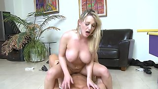 Seductive blonde enjoys having hardcore sex on lazy afternoons