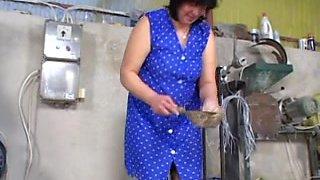 Haarige Hausfrauen mit 50