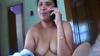 Chunky dark skin Mumbai prostitutes playing with one dick