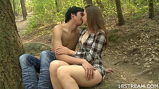 Couple has sensual outdoor sex