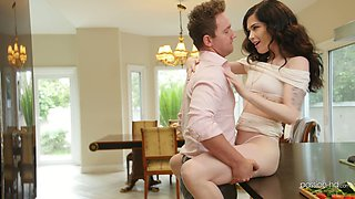 Sexy young wife Evelyn Claire gets a mouthful of cum for breakfast